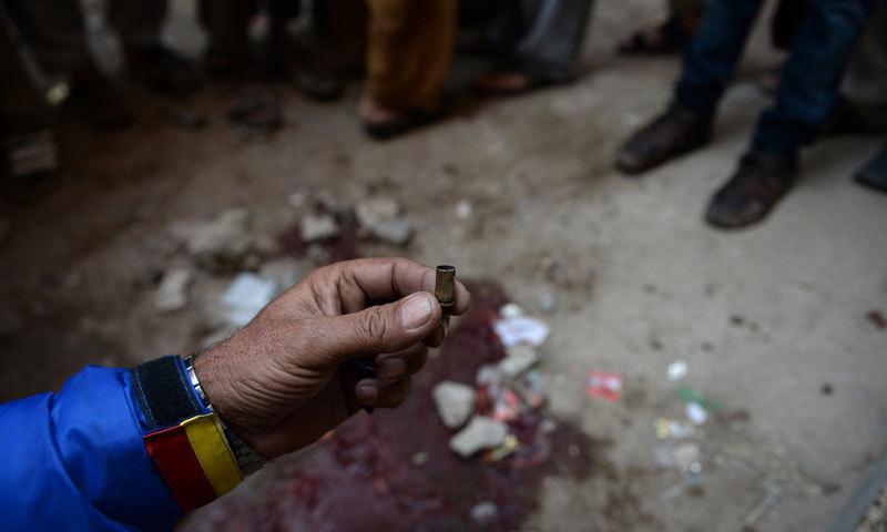 کراچی: ڈاکوؤں کی فائرنگ سے 2 دکاندار جاں بحق
