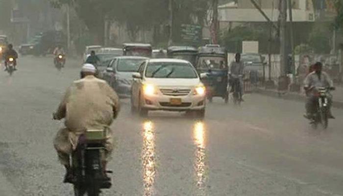 چارسدہ میں موسلادار بارش