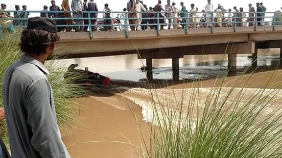 کبیروالا۔ لیہ سے میاں چنوں آنے والی فیملی کی وین نہر میں گر جانے کی اطلاعات
