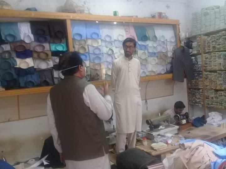 کوہاٹ،  ایڈیشنل اسسٹنٹ کمشنر مراد احمد ہوتی کا بازاروں کا دورہ