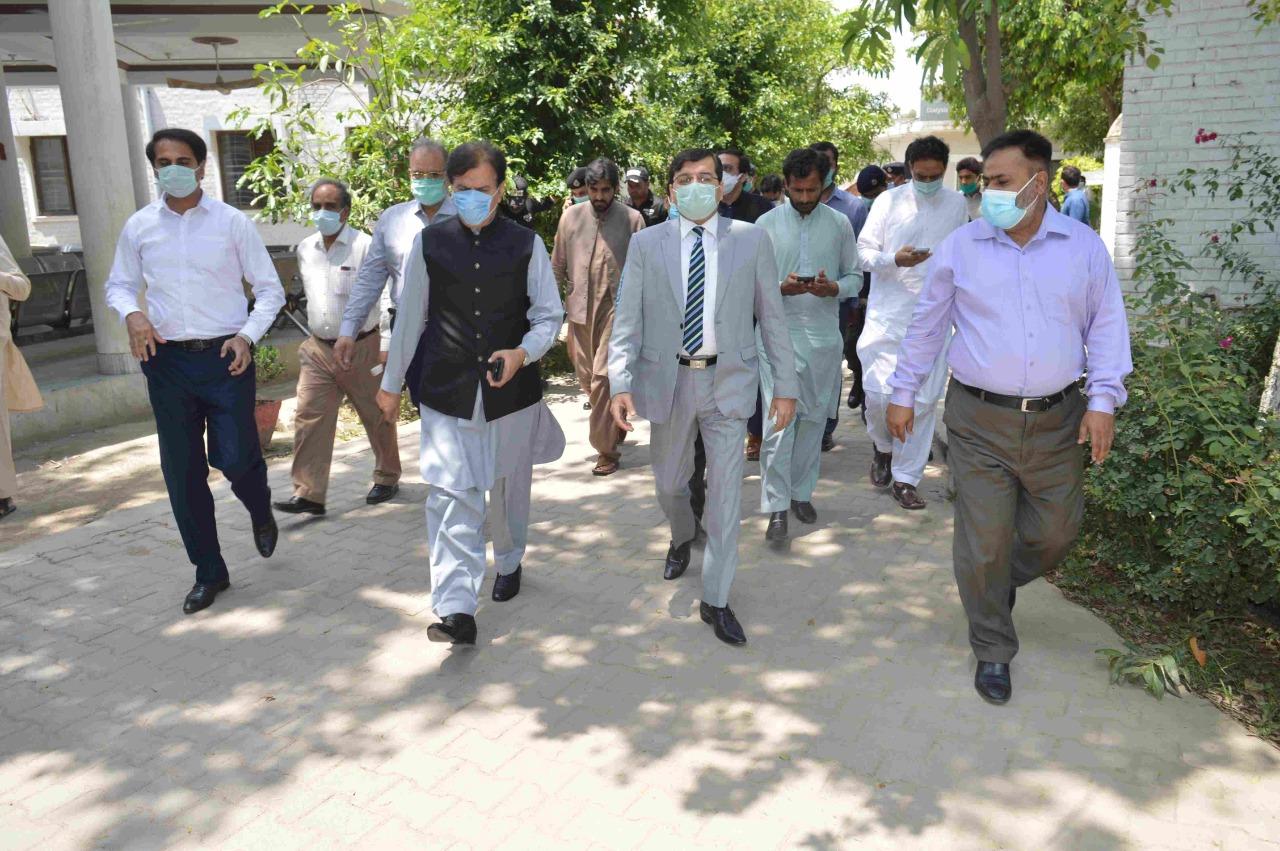 حافظ آباد صوبائی سیکرٹری برائے انسانی حقوق ڈاکٹر شعیب اکبر اور ڈپٹی سیکرٹری ہوم کیپٹن ر ملک شہباز وحید کا دورہ
