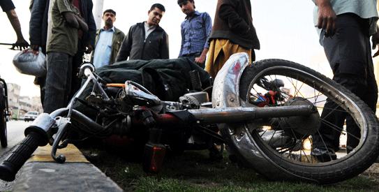 بہاولنگر: قریشی ھوٹل کے نزدیک ہولناک موٹر سائیکل ایکسیڈنٹ