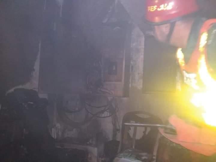 سیالکوٹ : شارٹ سرکٹ کی وجہ سے آگ لگ گئی