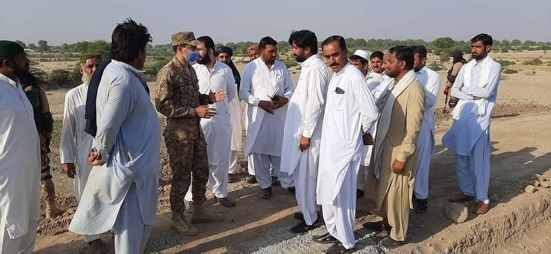 ٹانک: وارن کنال کی بندش کے پیش نظر گزشتہ روز پاک آرمی کے کرنل آصف کا فرید آباد مینر کا ہنگامی دورہ