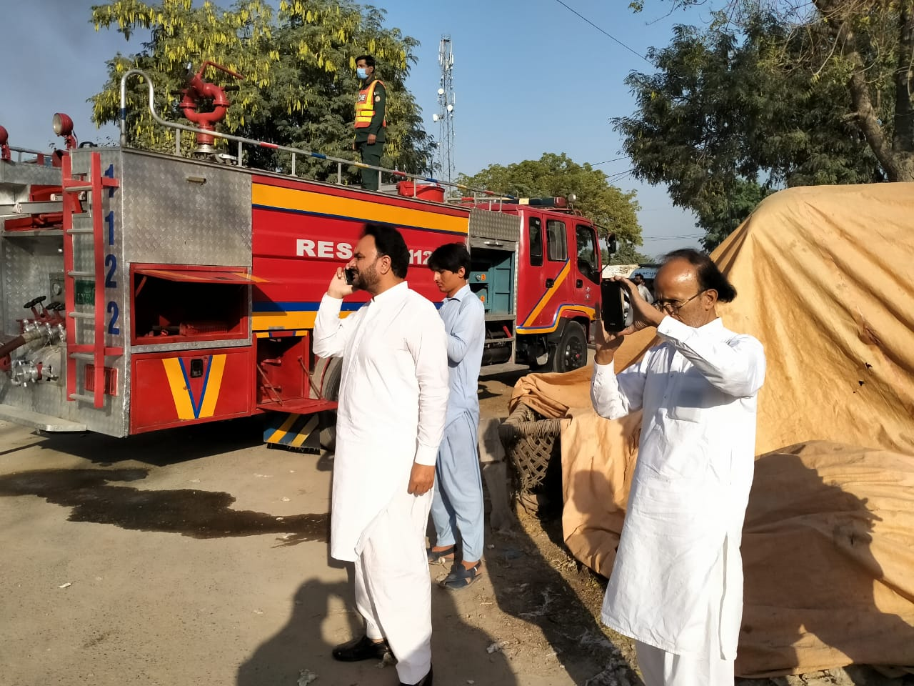 لیہ چوک اعظم میں موجود غلہ منڈی میں آگ کے شولے