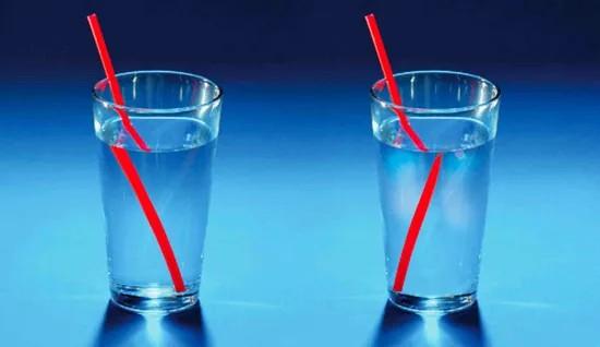 پانی، روشنی کی کرنوں کو کیسے موڑ دیتا ہے؟
