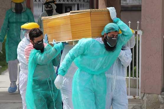 کورونا آؤٹ آف کنٹرول: 24 گھنٹے کے دوران 37 افراد کی زندگیاں نگل لیں