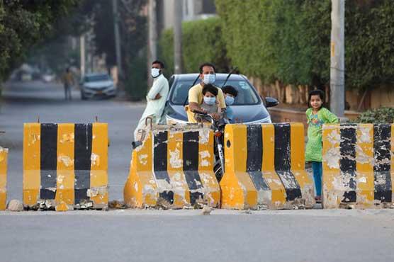 کراچی میں کورونا پھیلنے لگا، مختلف علاقوں میں لاک ڈاؤن لگانے کا فیصلہ