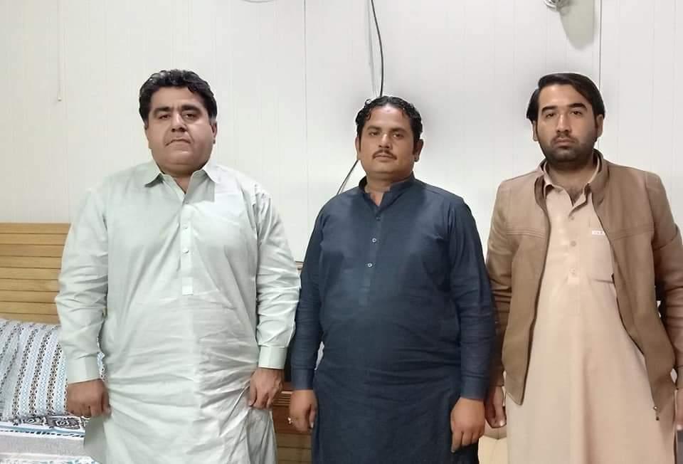 بلوچستان عوامی پارٹی ضلع صحبت پور کے جنرل سیکرٹری و معروف سماجی شخصیت میر سرفراز  خان کھوسہ سے کوئٹہ میں ملاقات کی