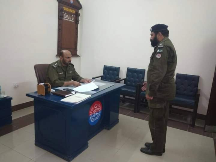 ڈسٹرکٹ پولیس آفیسر وہاڑی احسان اللہ چوہان کا تھانہ ٹبہ سلطانپور کا سرپرائز وزٹ