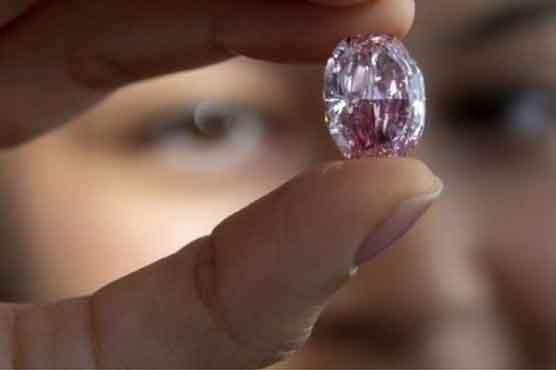 'گلاب کی روح' نامی ہیرا چار ارب روپے میں نیلام