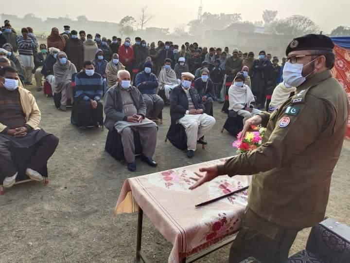 آئی جی پنجاب کے حکم پر سربراہ ضلعی پولیس نارووال کیپٹن (ر) واحد محمود کی تھانہ چک امرو میں کھلی کچہری