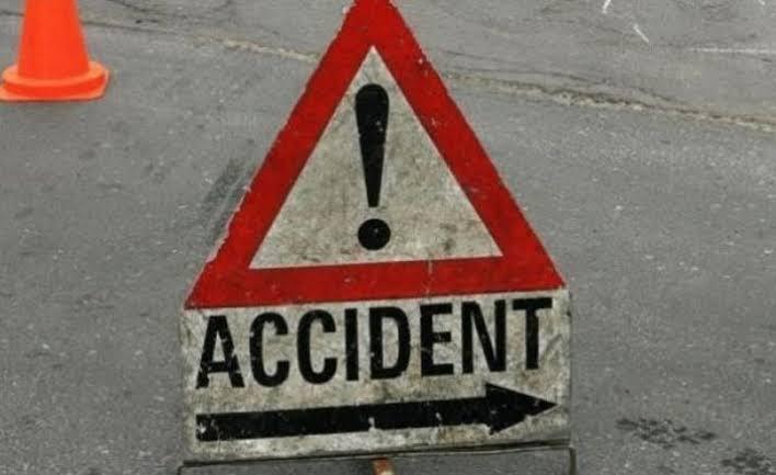 خیرپورٹامیوالی اسرانی اسٹیشن کے پاس آرمی پبلک سکول جانے والی وین اور ٹرک میں خوفناک حادثہ