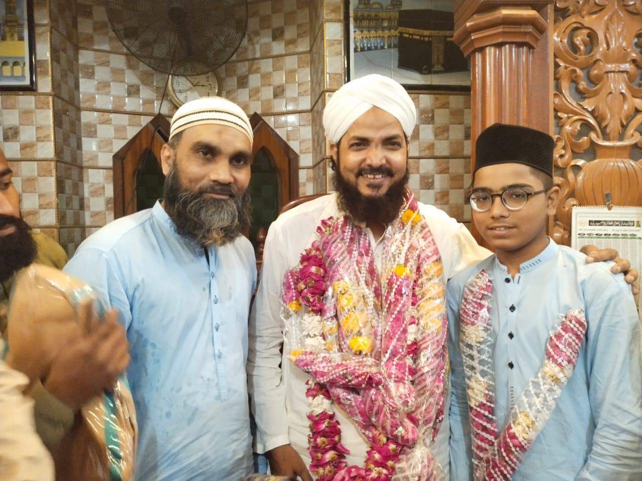 مدرسہ  اعلی حضرت اللہ والی مسجد حیدرآباد میں  تقریب