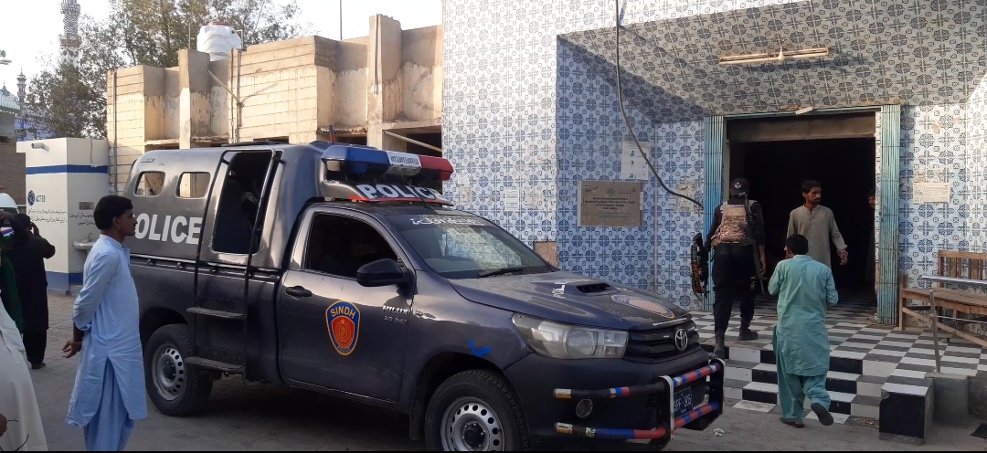 کندھ کوٹ : پولیس آپریشن پولیس اہلکار زخمی