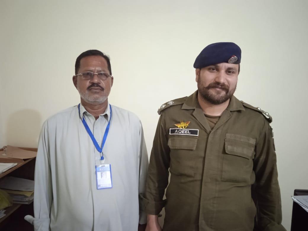 تھانہ گوجرخان پولیس چوکی جبر کے چوکی انچارج عقیل صاحب کی ای این این کے نمائندے راجہ افضل تحصیل گوجرخان بورگی وینس کی ملاقات