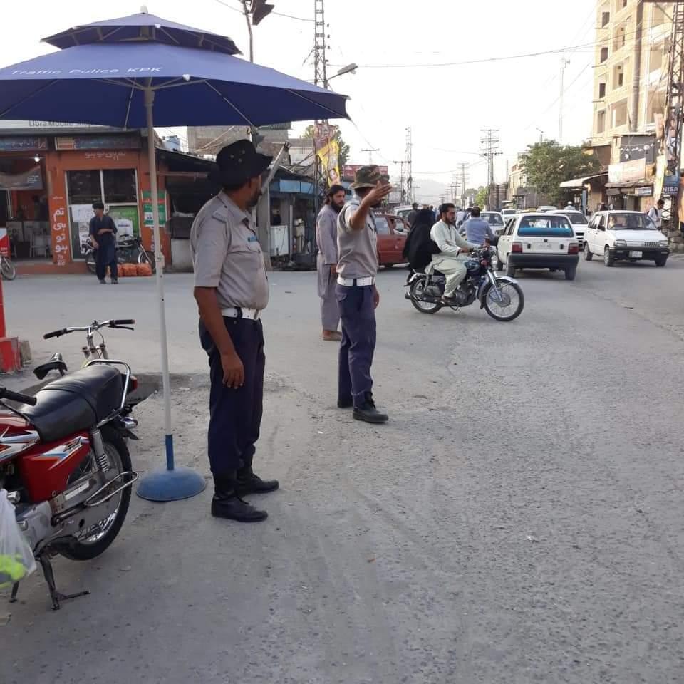 ڈی پی او مانسہرہ آصف بہادر کا ٹریفک پولیس اہلکاروں کے لیے احسن اقدام