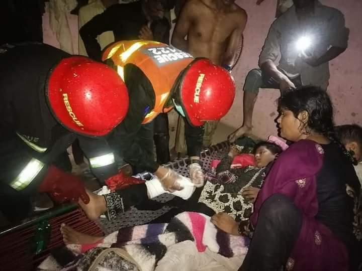 سیالکوٹ میں صبح سے جاری بارش کے دوران دوران چھت گرنے کے تین  واقعات