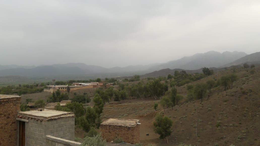 ضلع خیبر باڑہ بر قمبر خیل میں بوندا باندی کے بعد خوبصورت موسم