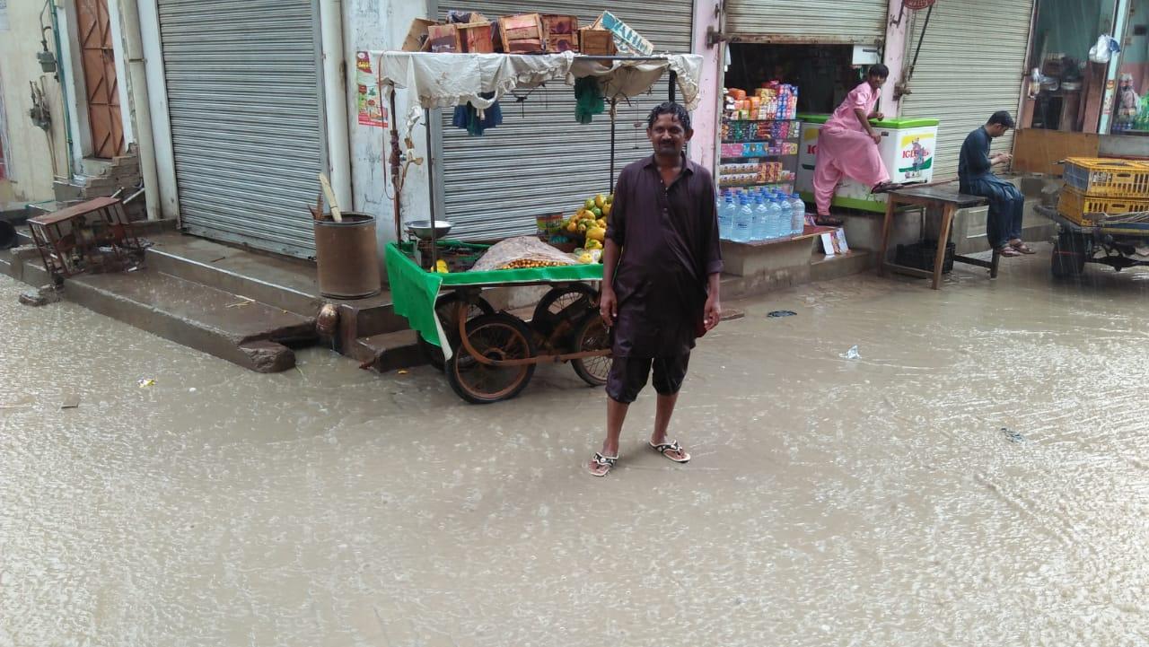شاہپورچاکر و گردونواح کے علائقوں میں موسلا دھار بارش کا سلسلہ شروع