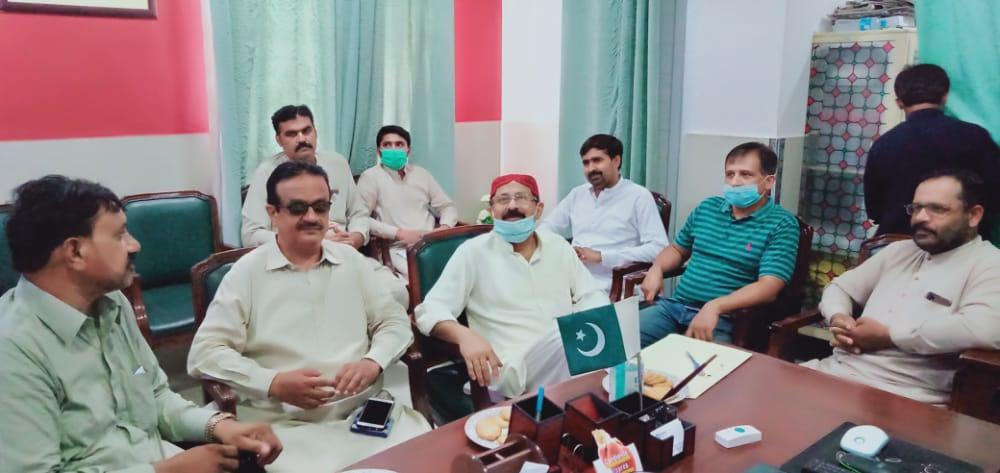 احمدپورشرقیہ : تحصیل ہیڈ کوارٹر ہسپتال احمدپورشرقیہ میں کم وسائل میں زیادہ سے زیادہ مریضوں کو ادویات فراہم کی جارہی ہیں