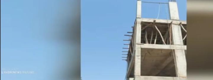 مانگا منڈی  بحریہ ٹاؤن میں زیر تعمیر پلازہ سے مزدور گر کر جاں بحق