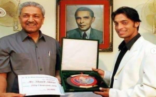 شعیب اختر کے کریئر میں ڈاکٹر عبدالقدیر خان کا کیا کردار تھا؟ فاسٹ باؤلر  اپنی کہانی سامنے لے آئے